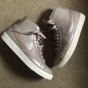 Nike x J.Crew Blazer Mid Vintage Sneakers